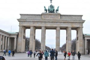 48 hours in the German capital Berlin, including travel time, with 3 under 4 years old, 6 adults and one working cell phone. Let the games Begin!