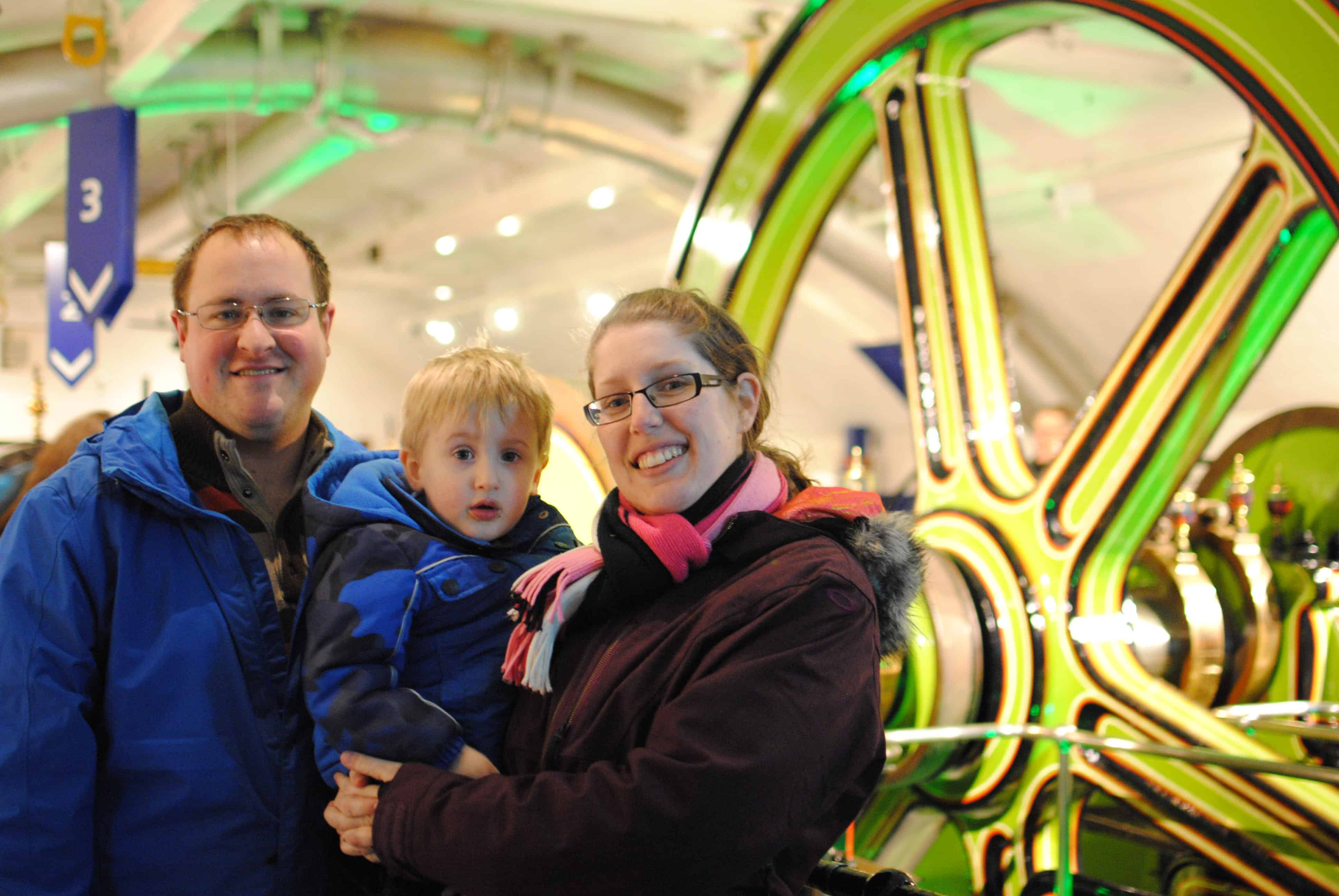 Christmas in London Itinerary With kids: London is one of the worlds great city's and can leave you overwhelmed. Learn what's open and what to do on Christmas day in London with kids