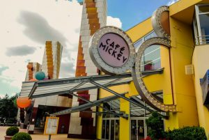 The Free Disney Dining Plan promotion is one of the most sought after and popular deals at any Disney location. What's the catch?