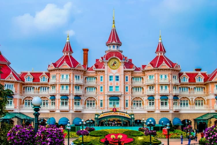 Disneyland paris planning guide tapped out travellers for Hotels eurodisney