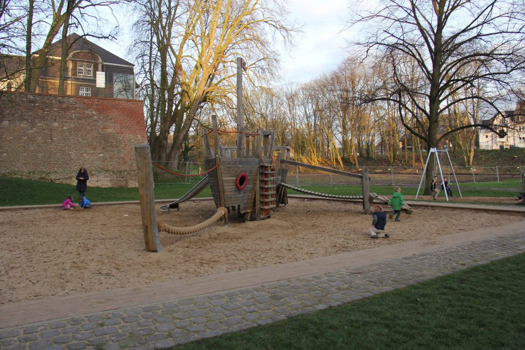Travel Guide: Dusseldorf with Kids