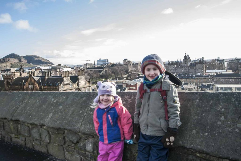 City Guide - Edinburgh a guide for first timers. What to do and where to eat and stay in Edinburgh Scotland. Edinburgh with kids, Scotland with kids, Family travel, Travel with kids
